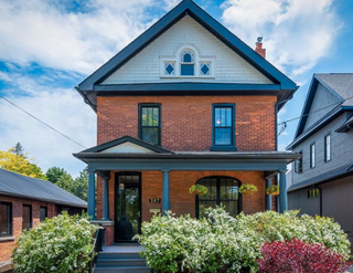 Photo 1: 207 Beech Street in Collingwood: House for sale
