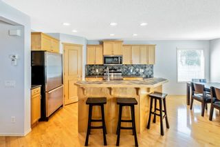 Photo 5: 101 Royal Oak Crescent NW in Calgary: Royal Oak Detached for sale : MLS®# A1145090