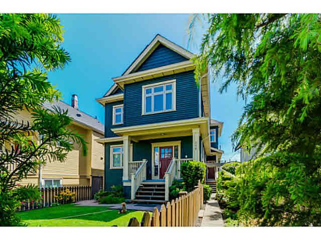 "Main Photo: 956 E 13TH Avenue in Vancouver: Mount Pleasant VE 1/2 Duplex for sale in ""Charles Dickens"" (Vancouver East)  : MLS®# V1123181"