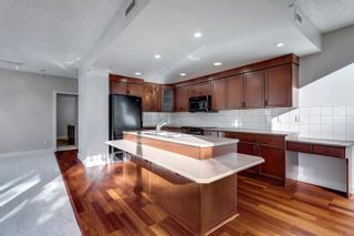 Photo 10: 305 10028 119 Street in Edmonton: Zone 12 Condo for sale : MLS®# E4262877