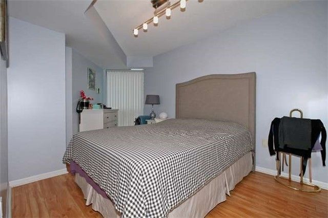 Photo 12: Photos: 808 109 E Front Street in Toronto: Moss Park Condo for lease (Toronto C08)  : MLS®# C3510548