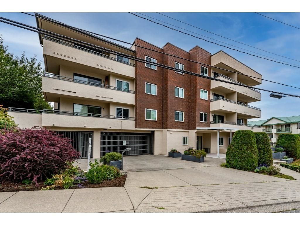 """Main Photo: 202 2684 MCCALLUM Road in Abbotsford: Central Abbotsford Condo for sale in """"Ridgeview Place"""" : MLS®# R2617099"""