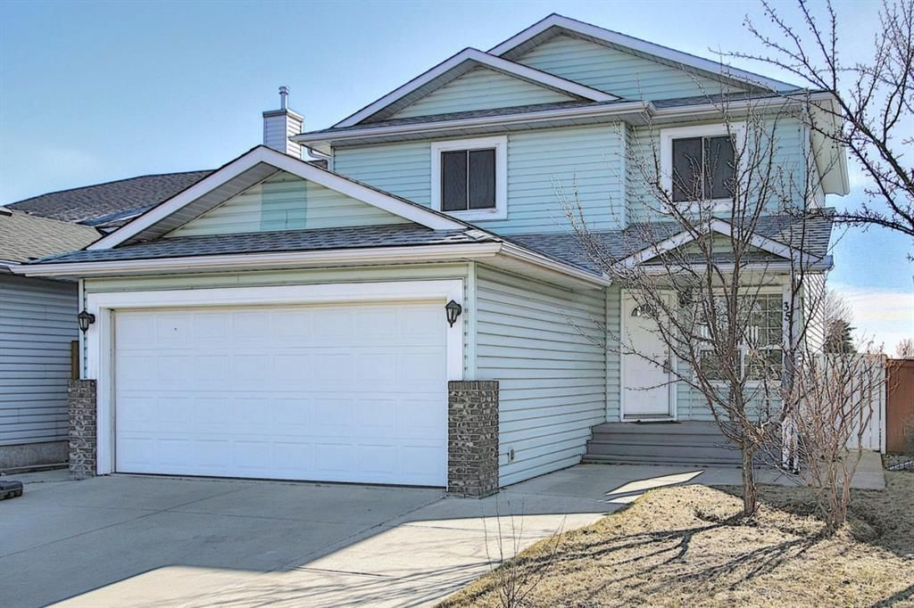 Main Photo: 351 Applewood Drive SE in Calgary: Applewood Park Detached for sale : MLS®# A1094539