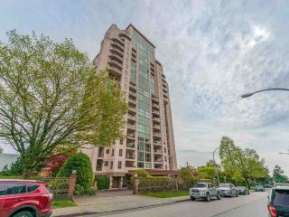 """Photo 1: 802 612 FIFTH Avenue in New Westminster: Uptown NW Condo for sale in """"The Fifth Avenue"""" : MLS®# R2576697"""