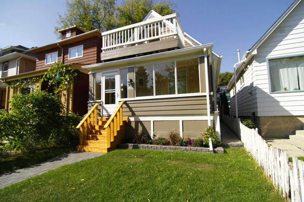 Photo 3: Photos: 486 Craig Street in WINNIPEG: WOLSELEY Single Family Detached for sale (West Winnipeg)  : MLS®# 1321472