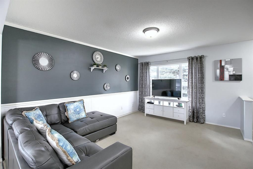 Photo 17: Photos: 646 EVERMEADOW Road SW in Calgary: Evergreen Detached for sale : MLS®# A1023171