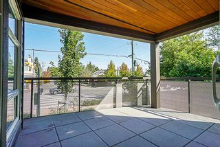 "Photo 15: 205 1166 54A Street in Tsawwassen: Tsawwassen Central Condo for sale in ""Brio"" : MLS®# R2302910"