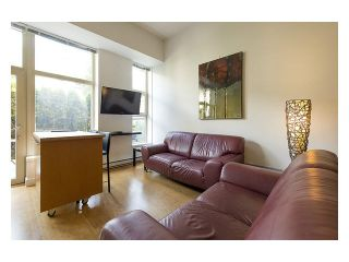 """Photo 9: 105 205 E 10TH Avenue in Vancouver: Mount Pleasant VE Condo for sale in """"The Hub"""" (Vancouver East)  : MLS®# V1082695"""