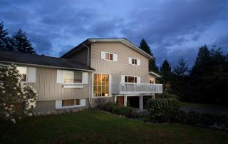 Photo 1: 4145 RIPPLE ROAD in West Vancouver: Bayridge House for sale : MLS®# R2161640