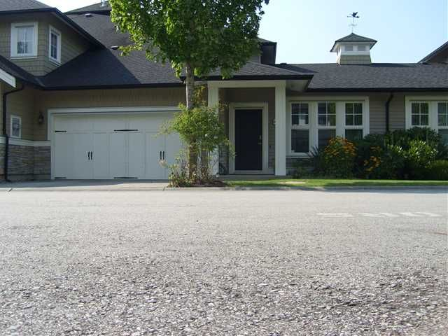 """Main Photo: 6 19452 FRASER Way in Pitt Meadows: South Meadows Townhouse for sale in """"SHORELINE"""" : MLS®# V972885"""