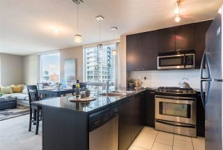 """Photo 10: 1107 39 SIXTH Street in New Westminster: Downtown NW Condo for sale in """"QUANTUM"""" : MLS®# R2371765"""