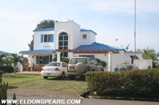Photo 1: Playa Blanca Villa for Sale!