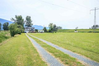 Photo 2: 41570 KEITH WILSON Road in Chilliwack: Greendale Chilliwack House for sale (Sardis)  : MLS®# R2093144