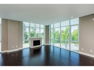 """Photo 3: 203 14824 NORTH BLUFF Road: White Rock Condo for sale in """"Belaire"""" (South Surrey White Rock)  : MLS®# R2459201"""