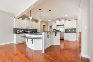 Photo 9: 1197 HOLLANDS Way in Edmonton: Zone 14 House for sale : MLS®# E4221432