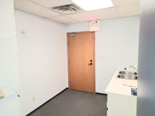 """Photo 15: 205 2922 GLEN Drive in Coquitlam: Central Coquitlam Office for lease in """"Coquitlam Square"""" : MLS®# C8039191"""