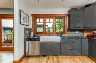 """Photo 10: 1559 E 20TH Avenue in Vancouver: Knight House for sale in """"GIBSON CLOSE"""" (Vancouver East)  : MLS®# R2089733"""