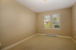 """Photo 13: 229 E QUEENS RD in North Vancouver: Upper Lonsdale Townhouse for sale in """"QUEENS COURT"""" : MLS®# V1045877"""