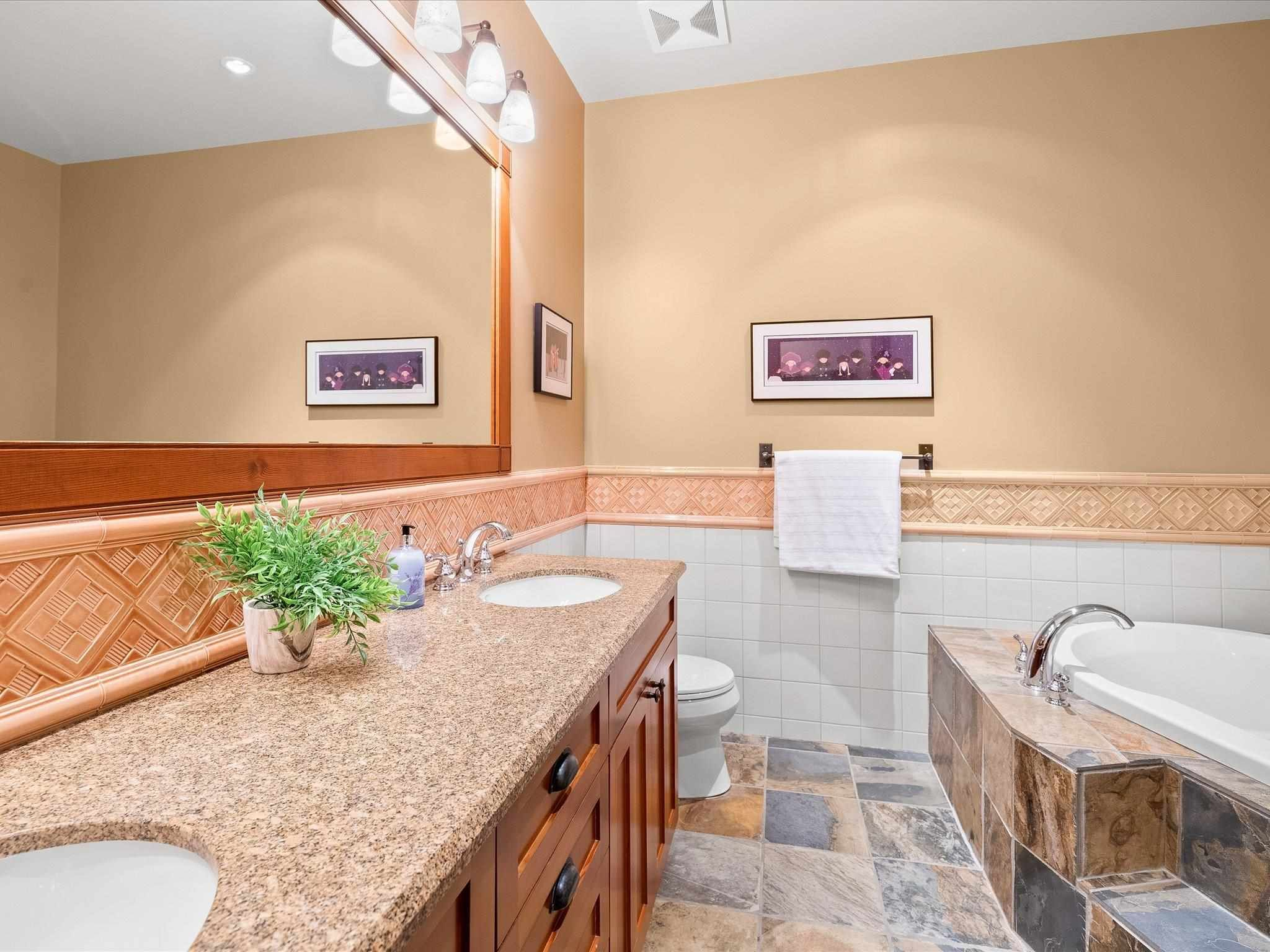 Photo 14: Photos: 4 2500 TALUSWOOD PLACE in Whistler: Nordic Townhouse for sale : MLS®# R2593995