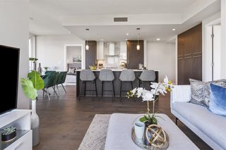 """Photo 8: W305 677 W 41ST Avenue in Vancouver: Oakridge VW Condo for sale in """"41 West"""" (Vancouver West)  : MLS®# R2605718"""