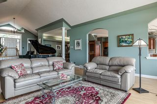 Photo 7: 40 Slopes Grove SW in Calgary: Springbank Hill Detached for sale : MLS®# A1069475