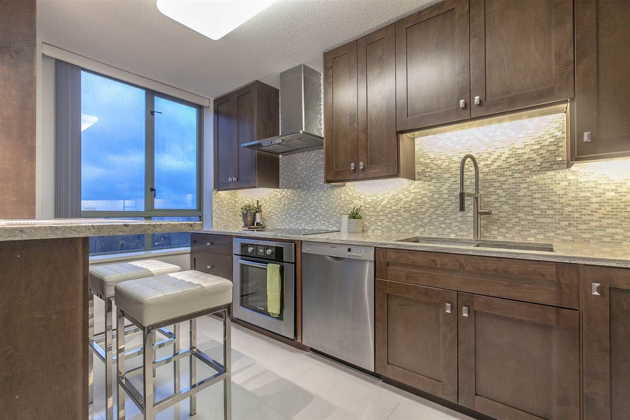 """Main Photo: 1604 6622 SOUTHOAKS Crescent in Burnaby: Highgate Condo for sale in """"GIBRALTAR"""" (Burnaby South)  : MLS®# R2221954"""
