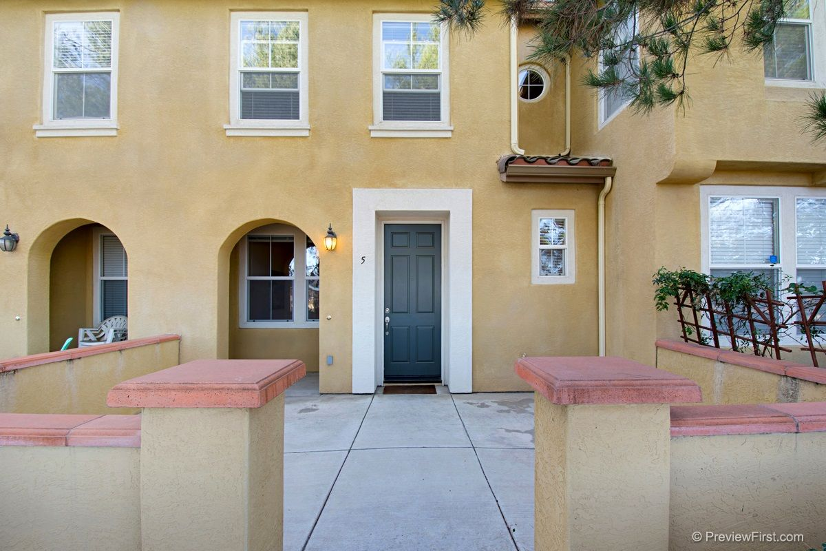 Main Photo: TORREY HIGHLANDS Townhouse for sale : 2 bedrooms : 7720 Via Rossi #5 in San Diego