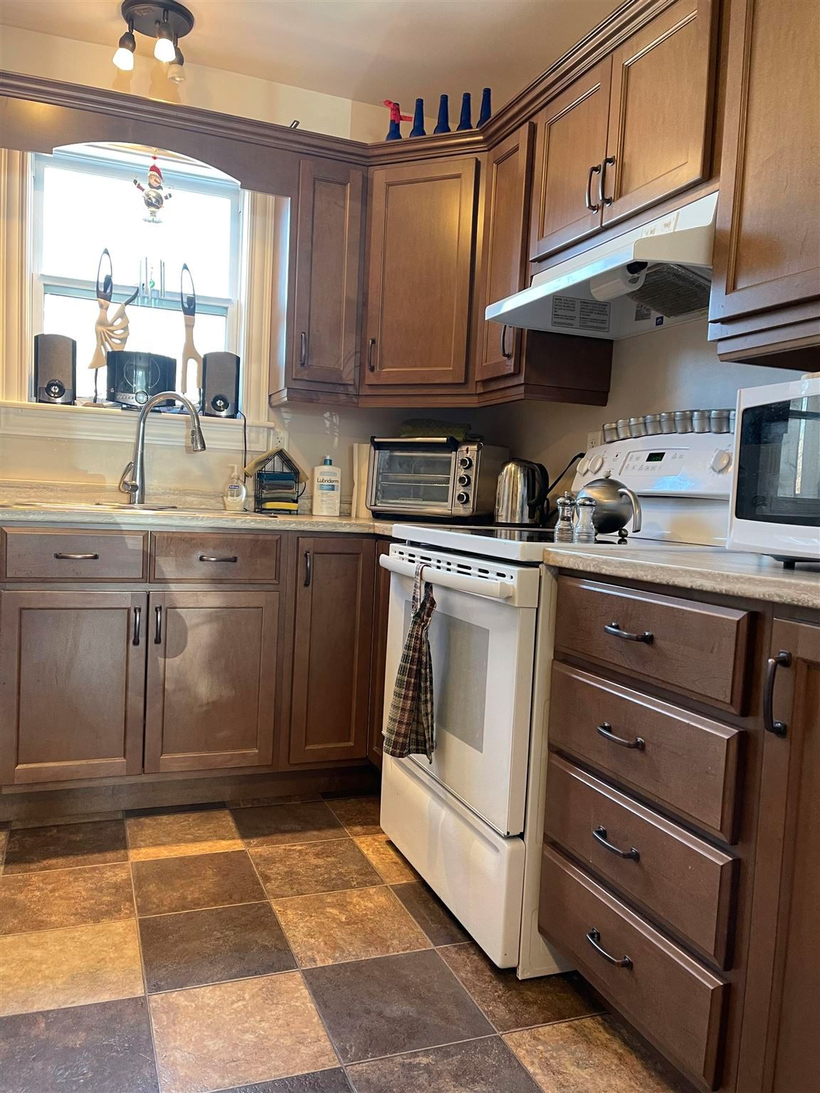 Photo 8: Photos: 131 Waller Drive in Truro: 104-Truro/Bible Hill/Brookfield Multi-Family for sale (Northern Region)  : MLS®# 202110237
