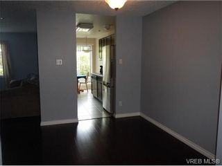 Photo 4: 109 545 Manchester Rd in VICTORIA: Vi Burnside Condo for sale (Victoria)  : MLS®# 672377