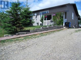 Photo 2: 11504-107 Avenue Close in Fairview: House for sale : MLS®# A1117303