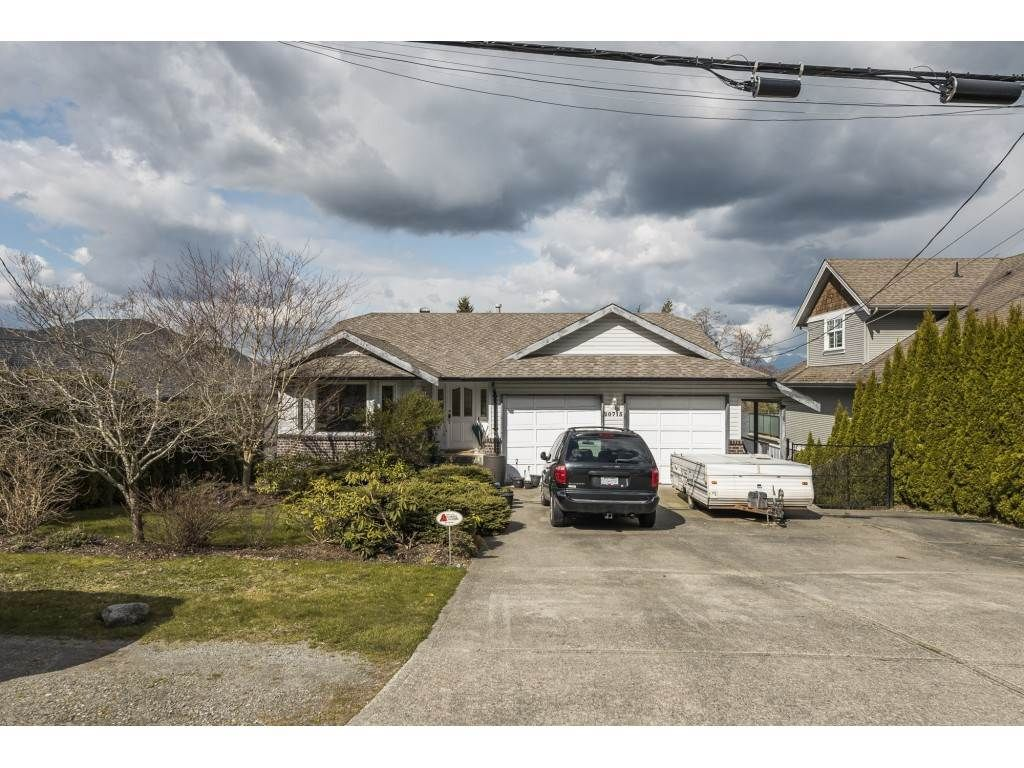 """Main Photo: 20715 46A Avenue in Langley: Langley City House for sale in """"Mossey Estates"""" : MLS®# R2559035"""
