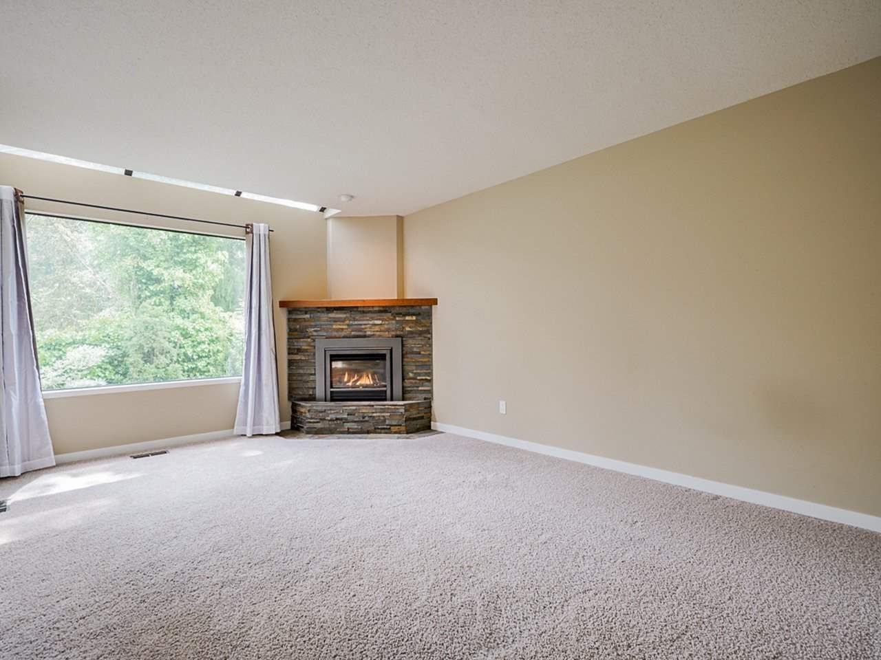 """Photo 12: Photos: 4713 GLENWOOD Avenue in North Vancouver: Canyon Heights NV Townhouse for sale in """"Montroyal Village"""" : MLS®# R2464484"""