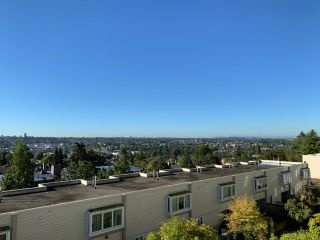 Main Photo: 305 3960 HASTINGS Street in Burnaby: Willingdon Heights Townhouse for sale (Burnaby North)  : MLS®# R2502678