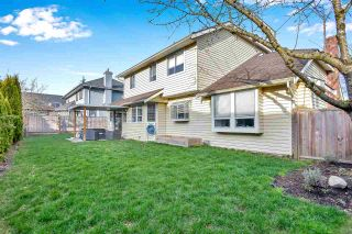 """Photo 13: 6219 189TH STREET Street in Surrey: Cloverdale BC House for sale in """"Eaglecrest"""" (Cloverdale)  : MLS®# R2549565"""