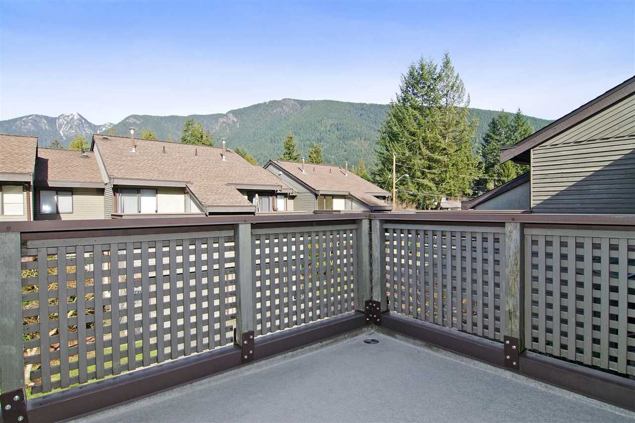 "Photo 13: Photos: 4709 GLENWOOD Avenue in North Vancouver: Canyon Heights NV Townhouse for sale in ""Montroyal Village"" : MLS®# R2039436"