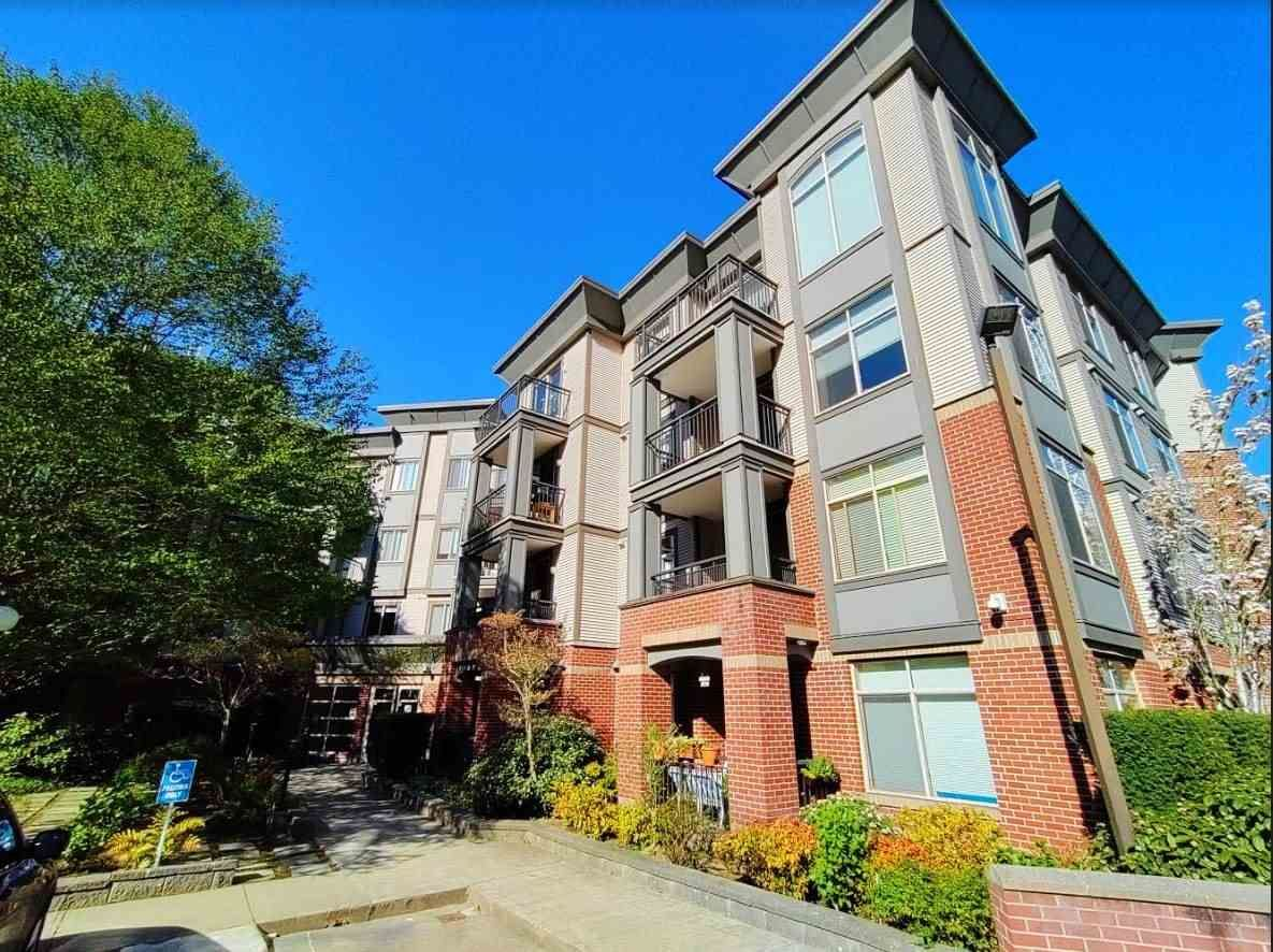 """Main Photo: 308 10499 UNIVERSITY Drive in Surrey: Whalley Condo for sale in """"D'Cor A"""" (North Surrey)  : MLS®# R2569647"""