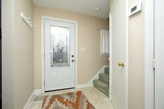Photo 5: Upper 115 W Beatrice Street in Oshawa: Centennial House (1 1/2 Storey) for lease : MLS®# E5145346
