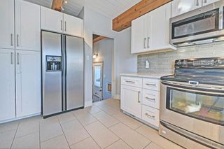 Photo 5: 6531 LARKSPUR Way SW in Calgary: North Glenmore Park House for sale : MLS®# C4149093