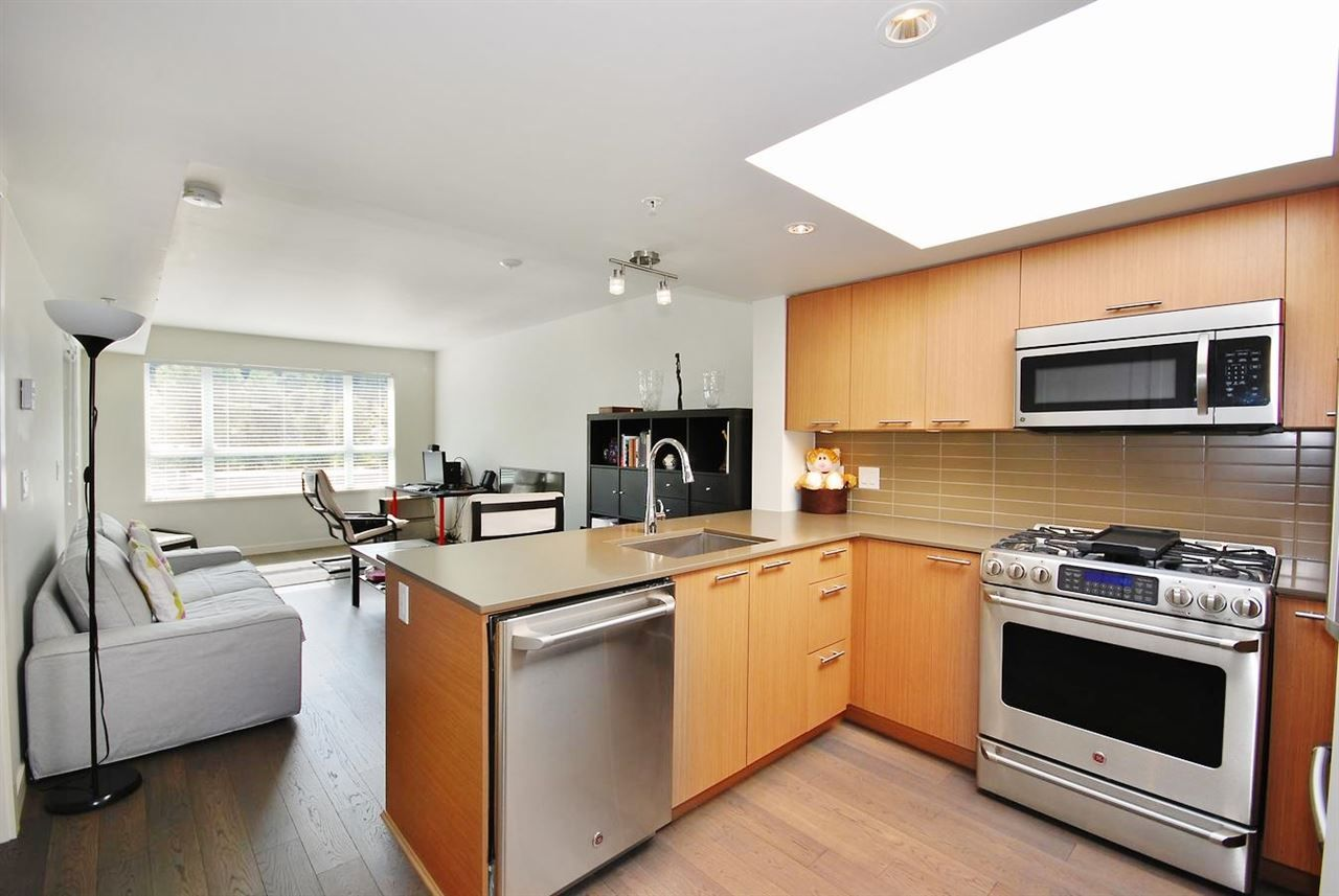 """Main Photo: 605 95 MOODY Street in Port Moody: Port Moody Centre Condo for sale in """"THE STATION"""" : MLS®# R2044618"""