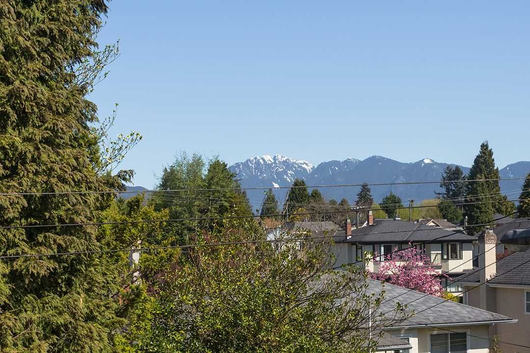 """Main Photo: 311 3875 W 4TH Avenue in Vancouver: Point Grey Condo for sale in """"Landmark"""" (Vancouver West)  : MLS®# R2567957"""