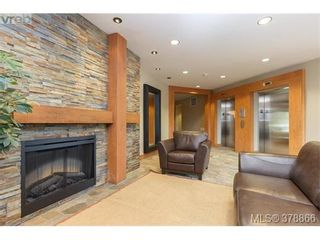Photo 2: 301 1395 Bear Mountain Pkwy in VICTORIA: La Bear Mountain Condo for sale (Langford)  : MLS®# 760871