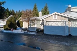 """Photo 3: 48 20761 TELEGRAPH Trail in Langley: Walnut Grove Townhouse for sale in """"WOODBRIDGE"""" : MLS®# F1427779"""