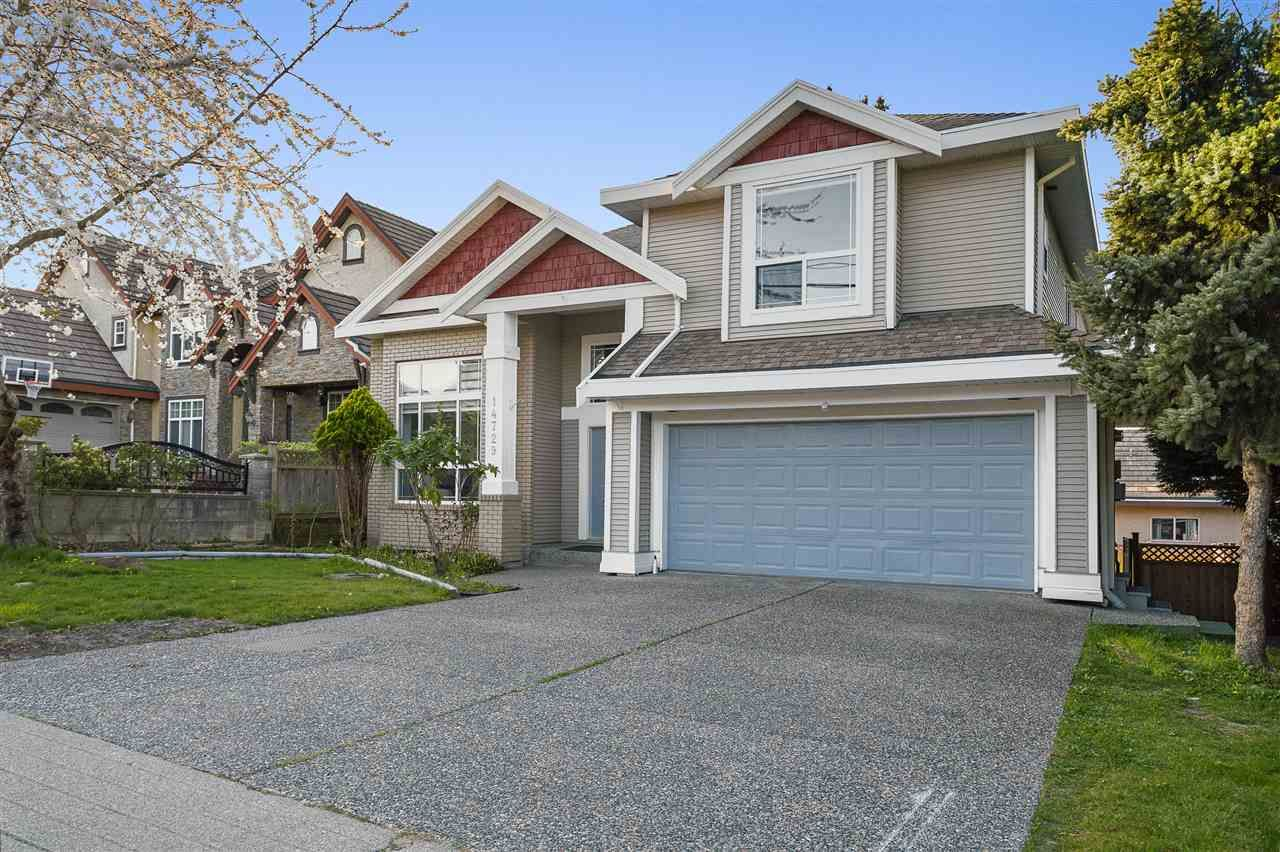 Main Photo: 14729 76 Avenue in Surrey: East Newton House for sale : MLS®# R2571566