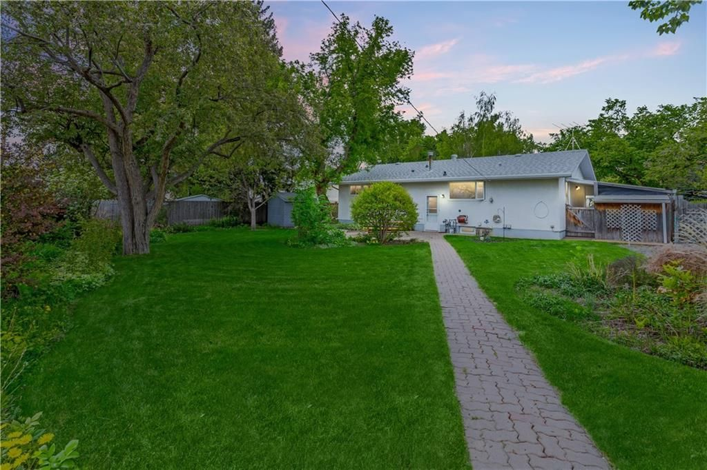 Photo 2: Photos: 6312 LYNCH Crescent SW in Calgary: Lakeview House for sale : MLS®# C4187228