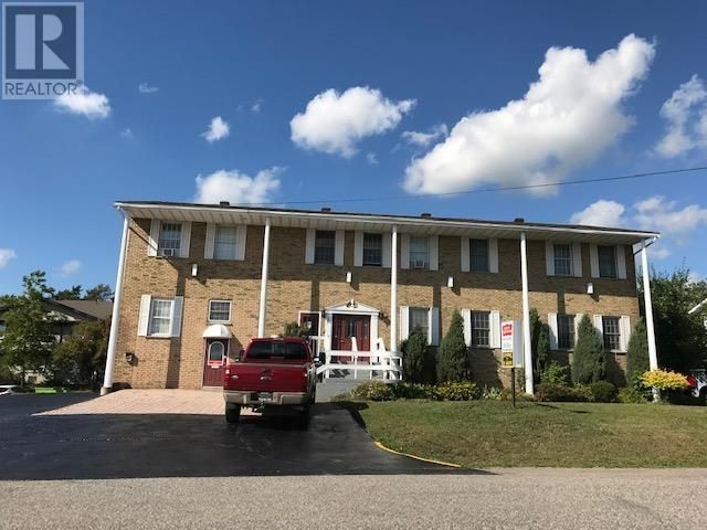 Main Photo: 20 Malabar DR in Sault Ste. Marie: Retail for sale : MLS®# SM133013