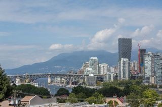 "Photo 1: 208 943 W 8TH Avenue in Vancouver: Fairview VW Condo for sale in ""Southport"" (Vancouver West)  : MLS®# R2487297"