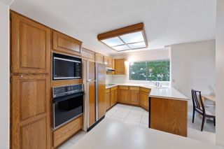 """Photo 12: 202 1250 MARTIN Street: White Rock Condo for sale in """"THE REGENCY"""" (South Surrey White Rock)  : MLS®# R2610384"""