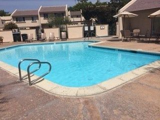 Photo 2: CLAIREMONT Townhouse for sale : 3 bedrooms : 5528 Caminito Katerina in San Diego