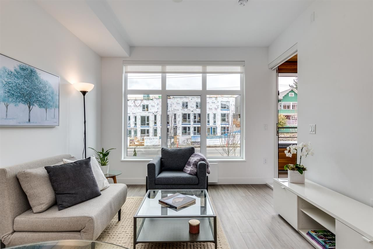 """Main Photo: 201 733 E 3RD Street in North Vancouver: Lower Lonsdale Condo for sale in """"Green on Queensbury"""" : MLS®# R2442684"""