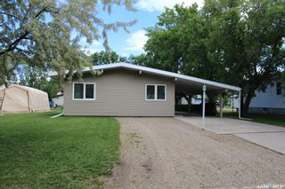 Photo 2: 304 Second Avenue in Lampman: Residential for sale : MLS®# SK860536